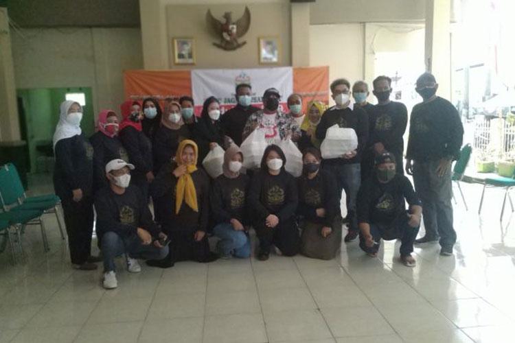 Yayasan Sapu Jagat Nusantara dan PAMMI Salurkan Bantuan ke Warga Isoman